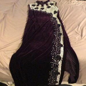 Dresses & Skirts - Purple Velvety Dress